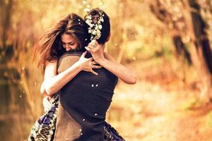 Một nụ hôn - Một cái ôm