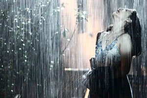 Tình yêu tựa như cơn mưa rào