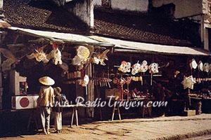 Cô hàng xén - Thạch Lam