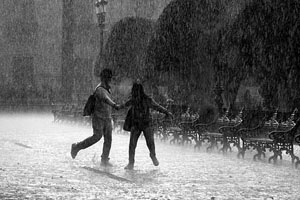 Đi về phía mưa