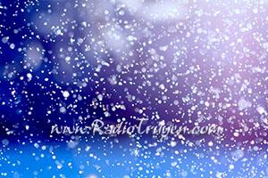 Người đàn bà ngồi nhìn tuyết rơi - Nguyễn Thị Châu Giang