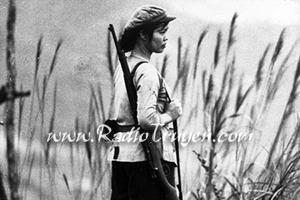 Người mẹ cầm súng - Nguyễn Thi